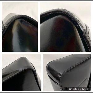Gucci Bags - GUCCI BLACK SHOULDER BAG!